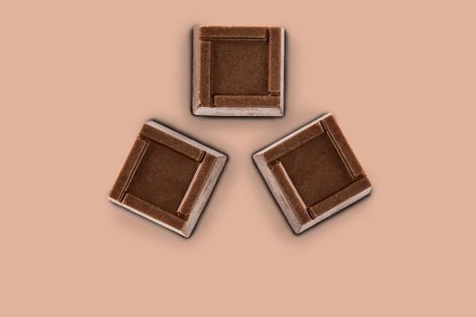 Praline cu ciocolata cu lapte si crema de alune